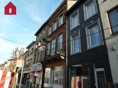Adresse : Place Albert 1E Commerce, 2 duplex, le bien est très bien situé; en plein centre ville où plusieurs commerces exercent