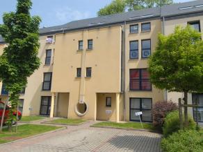 Dans le centre d'Arlon, bel appart duplex dans une résidence construite en 2005. Aménagé au 3ème étage, il comprend