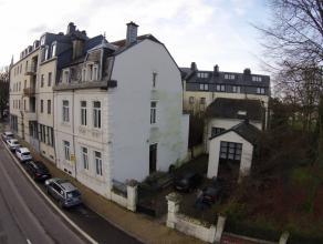 Maison de caractère au centre ville d'Arlon . Vente cause départ étranger . Composée d'une vaste maison de Maître pe