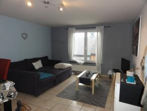 Mooi appartement van 3 slaapk. gelegen in het centrum van Bastogne - bestaande uit een salon/eetkamer, ingerichte keuken, badkamer, 3 slaapkamers. Cen