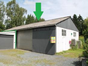 Nog geen nederlandstalige versie beschikbaarGrand  garage - entrepôt situé au centre de Bastogne, route de Neufchâteau, proche de l