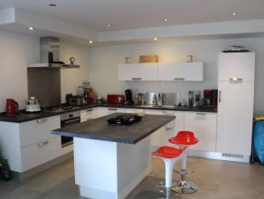 Nog geen nederlandstalige versie beschikbaarTrès bel appartement/duplex neuf situé à Savy près de Bastogne. Il est compos&