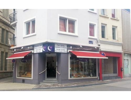 Bâtiment commercial à louer à Arlon, € 850