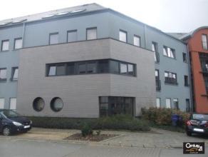 Ce très bel appartement 2 chambres, avec terrasse offrant une très belle vue dégagée sur Arlon, ne pourra que vous s&eacut