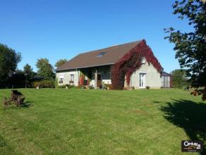 SAMPONT : Magnifique maison familiale, bien située en pleine campagne mais proche d'Arlon, agrémentée d'écuries (4 boxes),
