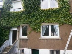 A proximité des grands axes routiers et des trois frontières, venez découvrir cette maison avec son jardin et sa grande terrasse