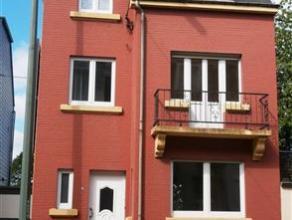 Dans le centre d'Arlon, à 50 mètres de l'hôpital, découvrez cette maison 4 chambres avec une terrasse de 35m² id&eacut
