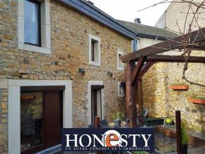 A Heinsch, découvrez cette maison en parfait état dentretien : châssis double vitrage (3ans) + volets, toiture en ardoises naturel