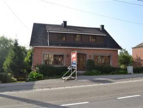 Faire offre à partir de 175.000,-euros. Vaste maison érigée sur une parcelle de 10 ares, plein centre, à proximité
