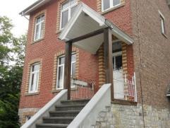 BARVAUX: Charmante maison avec jardin située sur une parcelle de 1114 m². Elle se compose d'un grand hall, une salle à manger, une