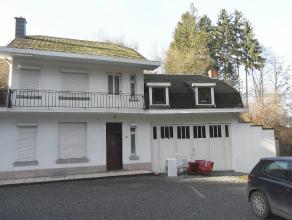 !!!OPTION!!!OPTION!!!OPTION!!! Belle maison 3 façade sur une parcelle de 650m². Cette maison d'habitation se compose de 3 grandes chambres