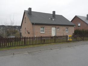 Très belle maison d'habitation type bungalow dans le quartier calme des Alisiers à Barvaux. Cette maison est divisée en 2 habitat