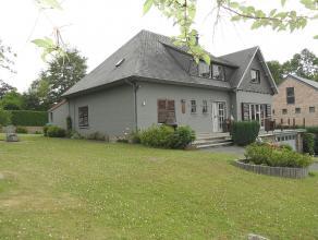 BARVAUX (Durbuy): Superbe villa en très bon état d'entretien avec un beau jardin d'une contenance totale de 14a76ca. Cette maison spacie