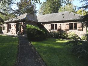 Très belle maison d'habitation de plain pied à la sortie de Barvaux. Maison spacieuse et confortable comprenant 3 chambres, un hall, une