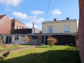 Mons - Impasse Ste Barbe, 21 - Agréable maison à rénover - Situation au calme et proche du centre-ville et axes routiers - Hall -
