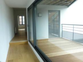 Mons. Rue des Fripiers, 34. Superbe appartement neuf, parfaitement situé au coeur de la ville de Mons. Cet appartement est composé d'un
