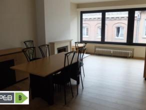 Mons. Rue de Bertaimont, 29. Très bel appartement situé en plein centre-ville de Mons offrant un accès direct à la ville a