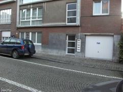 Spacieux et agréable appartement situé à deux pas de la gare et du centre-ville historique de Mons. Composé d'un hall, gra