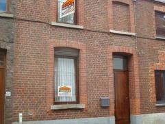 Agréable maison d'habitation située dans une rue calme et proche du centre Montois (à 2 pas des Grands Prés) comprenant au