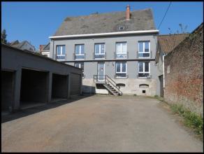 Situé au coeur de la ville de Mons, proche de toutes commodités (accès routiers, commerces, écoles) - Charmant duplex de 7