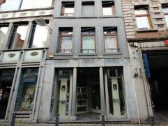 Mons rue d'Havré 37. A proximité de la Grand Place. Bel Immeuble de rapport rénové 2006 comp. surface commerciale ( act. s