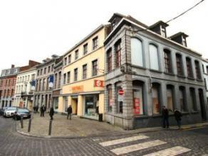 Mons, Rue Verte 1/1-1 Centre ville, situé dans un immeuble, studio (1er étage) comp. séjour avec petite cuis. éq., salle d