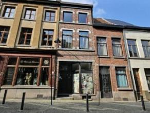 Mons rue du Miroir 25, appartement neuf dans le centre ville et à 200m de la Grand-Place comprenant : hall d'entrée, séjour, cuis