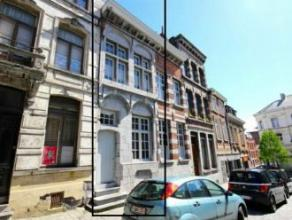 Mons, rue des Soeurs Grises 11-2.Très bel appart neuf de standing dans maison de maître (centre ville), compr: séjour,cuis. enti&e