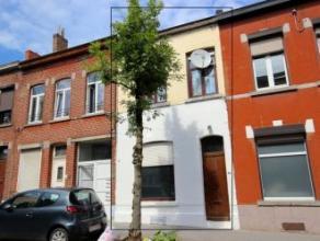 Mons, rue du 1er Chasseur à Cheval 13. Maison d'habitation ou de rapport (possibilité de faire 5kots moyennant l'obtention des permis d'