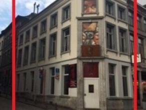 Mons, coin Grand Place/ rue de Nimy, Immeuble commercial et privé actuellement salle de café concert comprenant: cave sous l'ensemble du