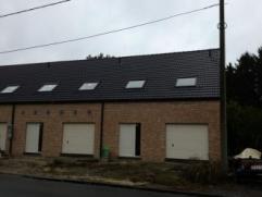 Mons Chemin du Chêne aux Haies 7-9-11. 3 nouvelles maisons comp. chacune hall, wc, salon, sàm, cuis. éq., garage avec buanderie, h