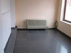Nous vous présentons un appartement au rez-de chaussée composé de:une chambre, séjour, cuisine semi-équipée,