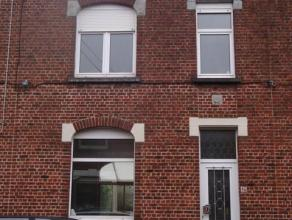 750/mois bonne maison à la porte du centre ville compr hall living cuis équipée véranda buanderie jardinet hall/nuit 3 cha