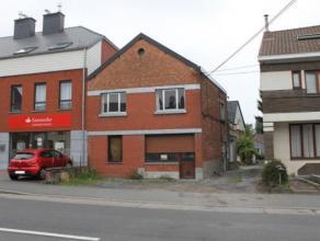 Ce bel immeuble de rapport situé à Mons est composé de 6 entités : 1 studio et 5 kots. Le bâtiment est en règ