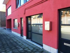 Situé en plein centre de La Louvière. 1 bureau au rez-de-chaussée dune surface de +/-15m² peut convenir pour une profession
