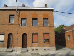 Appartement avec 1 chambre situé à la rue Longtain 97, 7100 La Louvière. Composition : un living,une cuisine équipé