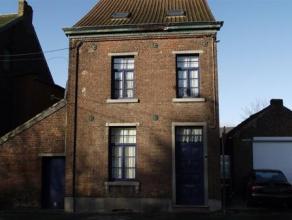 Maison 4 façades en partie rénové ,  4 chambres ,  garage et parking aisé à proximité des écoles, arr