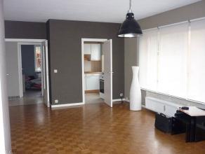 Appartement 2 chambres avec garage face au stade de football du Tivoli.Cet appartement est situé dans une rue à haute fréquentati