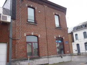 Appartement duplex 2 chambres mansardées au centre de Chapelle Lez Herlaimont.Cet appartementse situeau centre ville, proche des &e