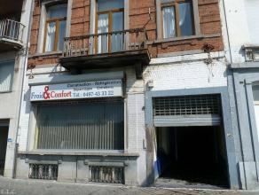 Entrepôt de 410m² avec bureauet sur trois niveaux en centre ville de CharleroiSitué à proximité de tous les comm