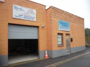 Bureau ou entrepôt de 70m² à La Louvière.Situé à proximité de tous les commodités tel que transpo