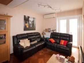 Appartement 2 chambres composé comme suit : Rez : Hall d'entrée 1er étage : Hall, living, cuisine équipée, salle de
