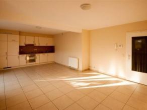 Superbe appartement 2 chambres composé comme suit : Hall d'entrée, living avec cuisine super équipée ouverte, buanderie, s