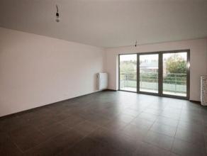 Superbe appartement 2 chambres composé comme suit : Hall d'entrée, WC séparé, buanderie, living avec cuisine super &eacute