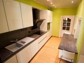Magnifique appartement situé au coeur de Binche composé comme suit : Rez : Hall d'entrée 1er étage : Hall, cuisine super &