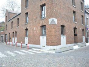 Appartement exceptionnel, lumineux sis au rez-de-chaussée.Composition : hall d'entrée, wc, vestaire, cuisine full équipée