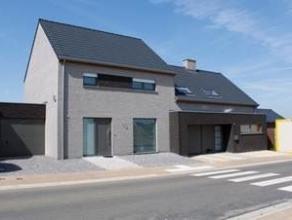 Plateau de Bellecourt. A vendre 48 maisons clé-sur-porte (ou gros oeuvre fermé) dont lot 52 : maison unifamiliale - trois façades