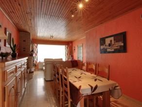 Hall d'entrée, spacieux séjour avec salon et salle à manger avec une jolie cheminée avec insert au bois,grande extension a