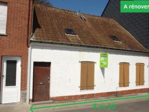 """Large maison avec 8m de façade """"à rénover"""" complètement offrant une terrasse, séjour avec salon et salle à m"""