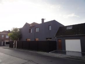 """Spacieuse 3 façades entièrement rénovée. xmlns=""""http://www.w3.org/1999/xhtml"""" xml:lang=""""en"""" lang=""""en""""> Spacieuse maison"""